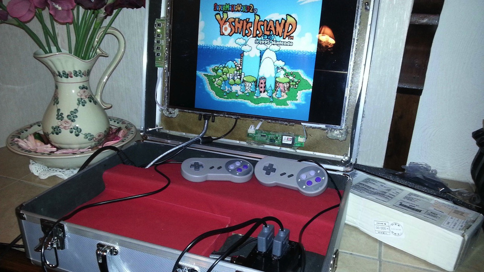 This Raspberry Pi-Powered DIY Gaming Briefcase Plays All Your Favorite Retro Titles