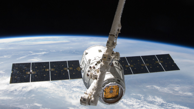 Watch SpaceX launch its second cargo mission to the ISS, live on io9!