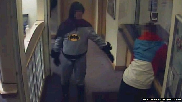Click here to read A Man Dressed As Batman Brought a Suspect into Custody