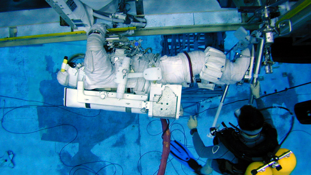NASA's Neutral Buoyancy Lab Can Fill 9 Olympic Swimming Pools
