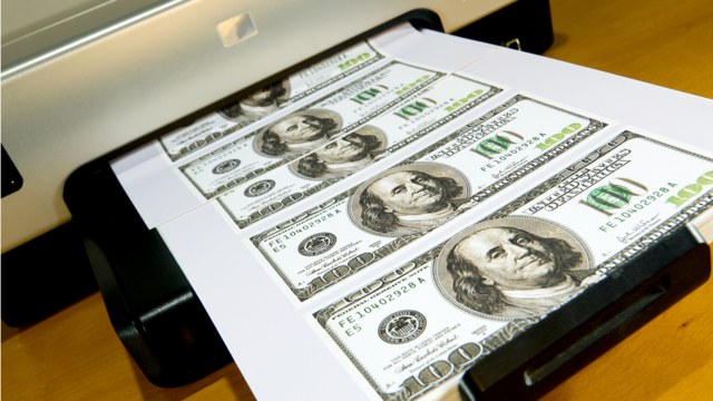 Click here to read An Idiot Counterfeiter Returned His Printer with a Sheet of Fake Hundreds Inside