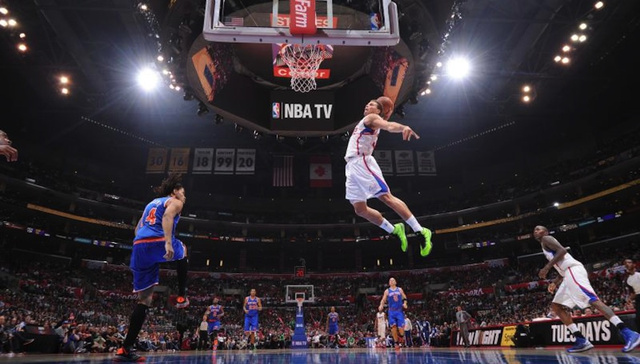 A Baseline's-Eye View Of Blake Griffin Dunking All Over The Kni…