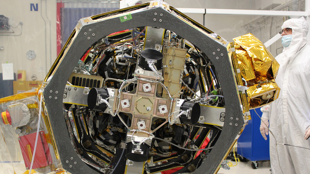 NASA's Laser Satellite Could Deliver Fiber Optic Speeds from Lunar Orbit