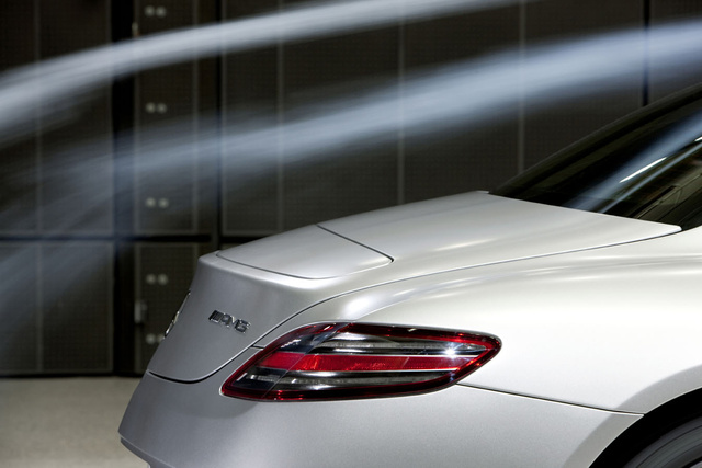 2011 Mercedes SLS AMG Technology