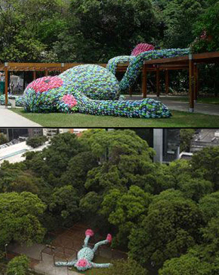 'Fat Monkey' Sculpture Is Made From 10,000 Pairs Of Flip Flops