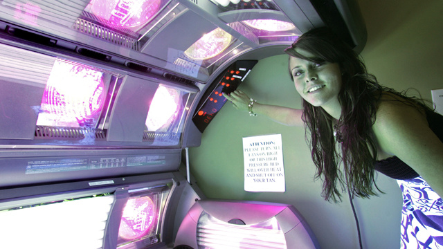 California Bans Minors From Using Tanning Beds