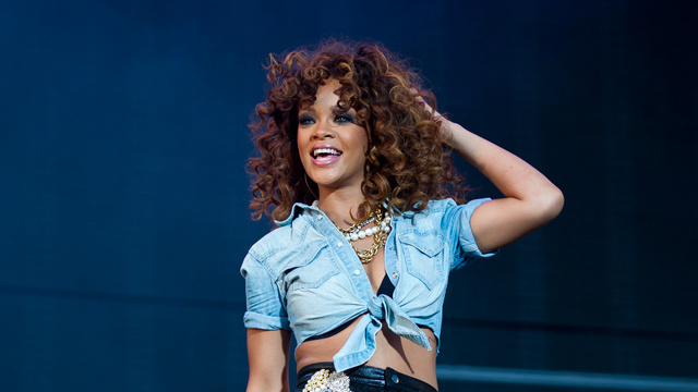 Rihanna Is A Big Fan Of The C-Word, Didn't Realize It's Offensive
