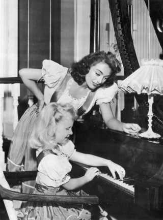 Daughter To Show Joan Crawford's Naked Home Videos