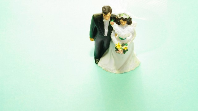 Why Don't Asian Women Want To Get Married?