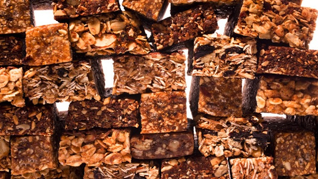 Make Your Own Homemade Energy Bars for a Nutritious, Healthy Between-Meal Snack