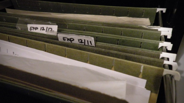 Label Folders With Expiration Dates for Easy Organization