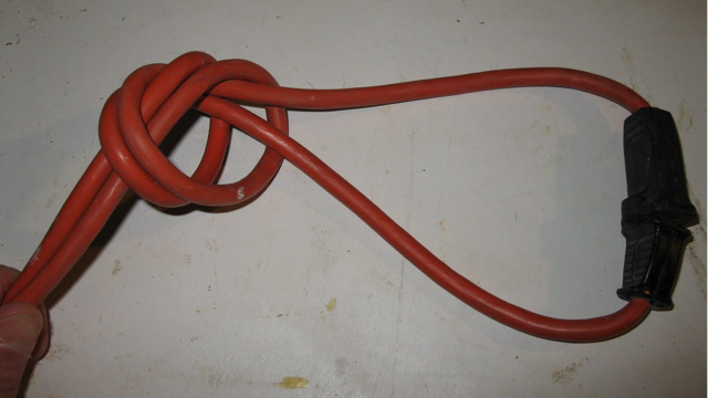 Knot Your Power Cords Like a Carpenter to Avoid Unwanted Unplugging