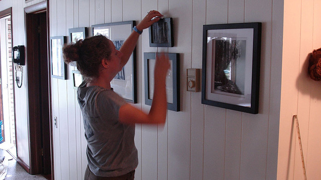 Hanging Photo Frames Without Nails Mesmerizing Hanging Art Without Nails  Slybury 2017