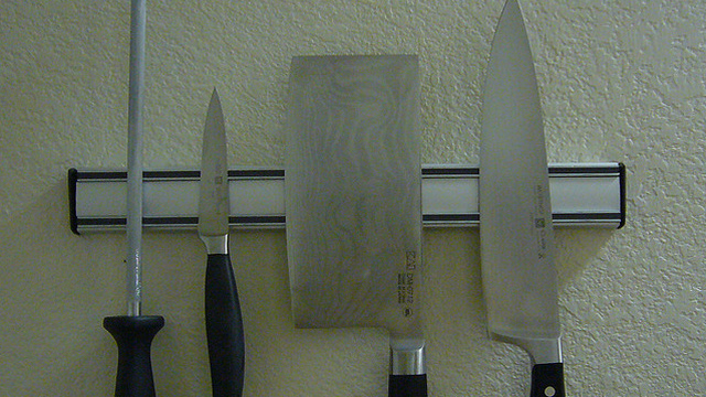 How Do I Sharpen a Kitchen Knife?