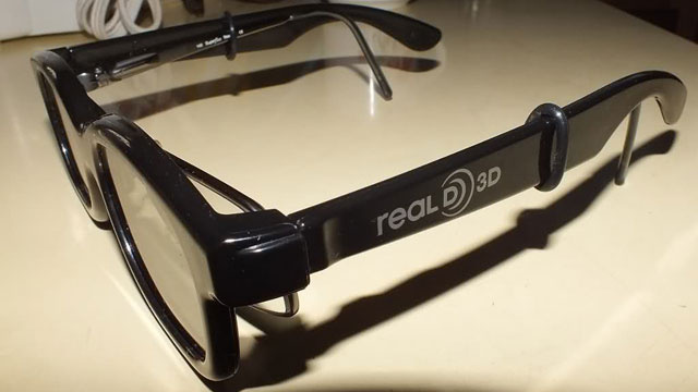 Use Faucet Rings for a Better 3D Movie Experience with Your Eyeglasses