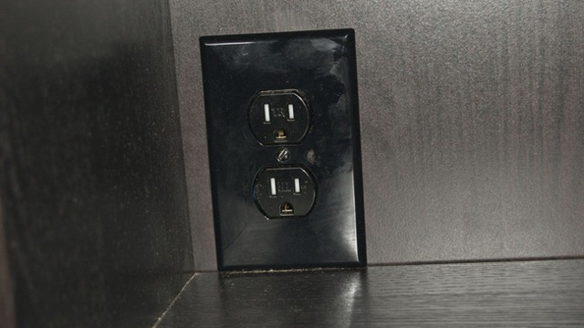 Build an Electrical Outlet Into Your Desk