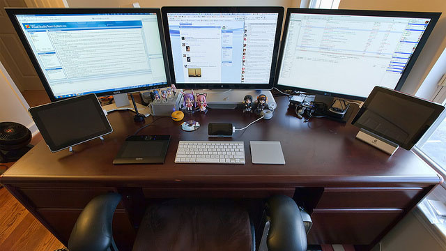 Surrounded by Screens: A Multi-Tablet, Multi-Monitor Workspace