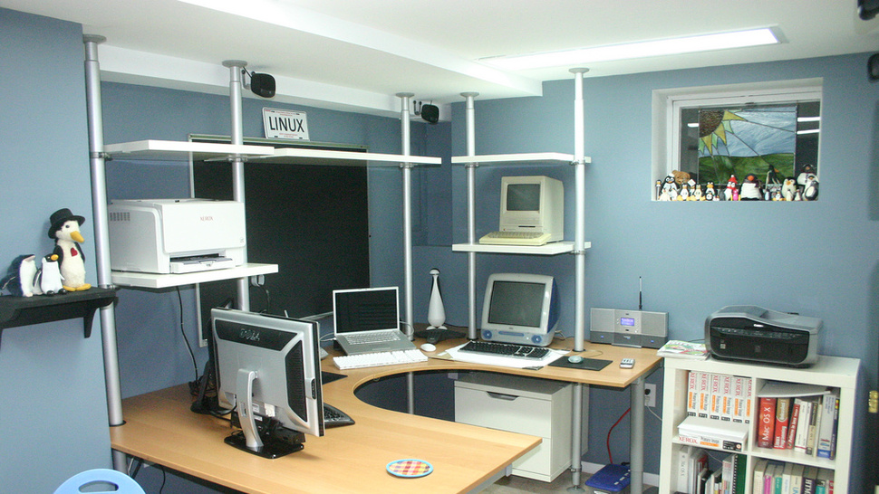 Before and After: The Linux Lover's Lair