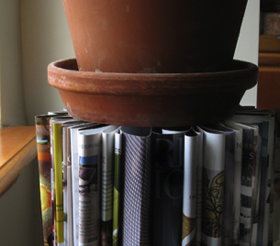 Recycle old magazines into an end table for How to recycle old magazines