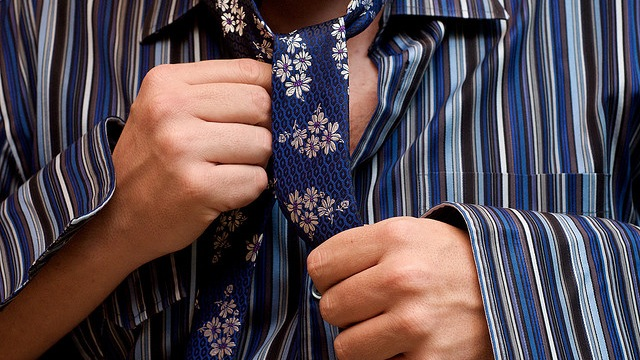 The Psychology Behind How Clothing Influences How People See You At Work