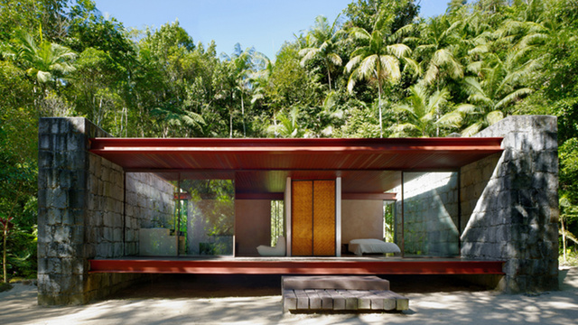 Click here to read The Rio Bonito House Fully Lives Up To Its Name