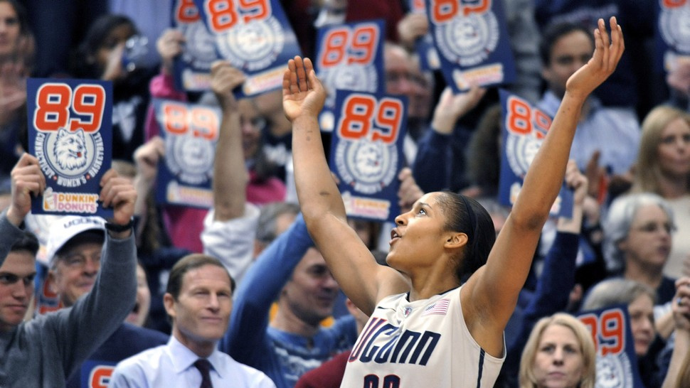 UConn Reignites Timeworn Basketball Battle Of The Sexes