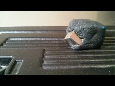 Click here to read Whoa, Watch Magnetic Putty Completely Swallow a Rare-Earth Magnet Like a Mutant Monster