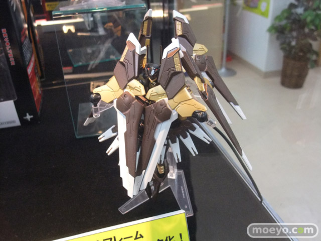 Let's Look at New Zone of the Enders Figures!