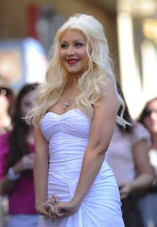 "Christina Aguilera ""Has Love"" For Boyfriend, Denies She Cheated"