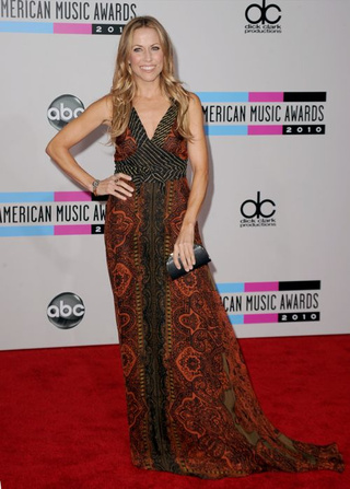 American Music Awards Fashion: Jesus Christ, Ke$ha