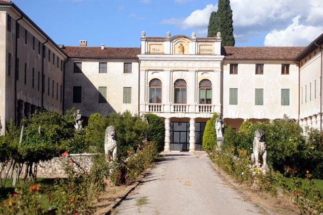 A Tour Of Brangelina's Ridiculous Italian Mansion