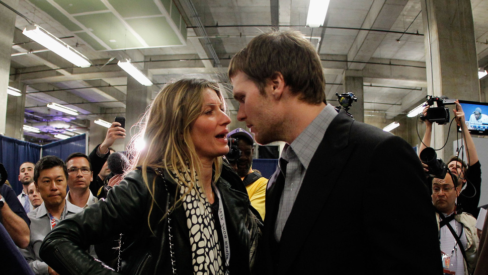 """My Husband Can Not Fucking Throw The Ball And Catch The Ball At The Same Time"": Gisele Is Pissed At The Patriots' Dropped Passes"