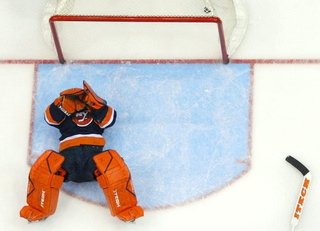 Rick DiPietro Gets Injured While On Injured Reserve