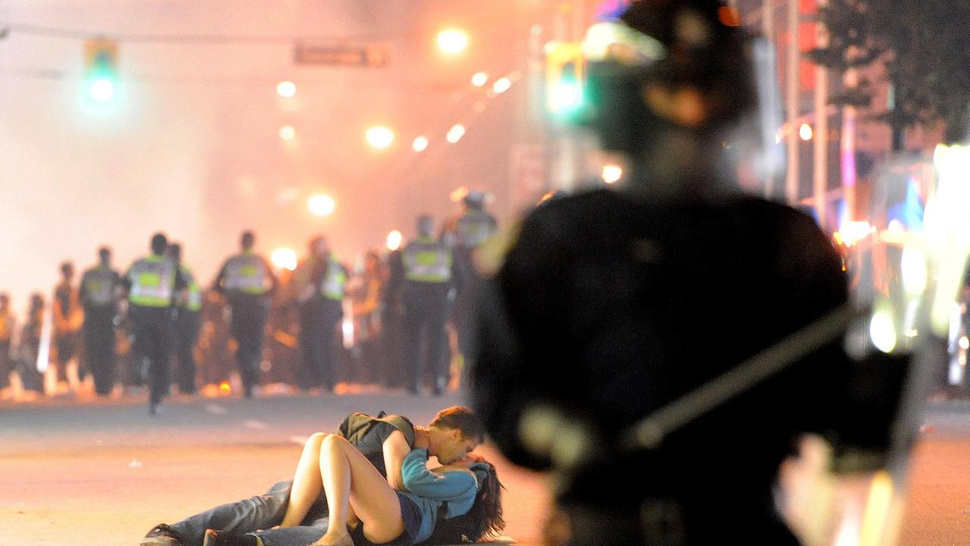 The Vancouver Riot Couple Is Still In Love