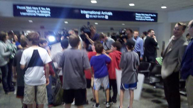 A Lot Of Surprisingly Hopeful And/Or Bored Timberwolves Fans Greeted Ricky Rubio When His Plane Landed