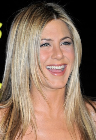 Ladies Fall Prey To The Aniston Effect