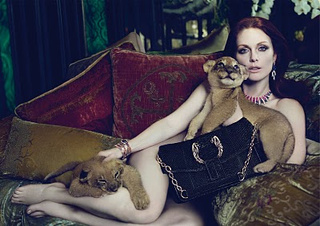Julianne Moore And Lion Cubs Is The Cutest Thing You Will See Today