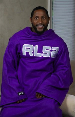 Ray Lewis Wants To Snuggie With You