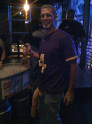 Here Are Some Photos Of People Pretending To Be Brett Favre And Jenn Sterger