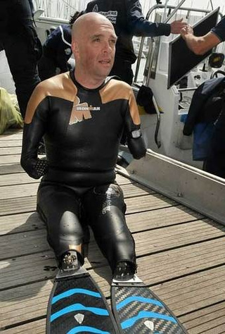 Guy Without Arms or Legs Swims the English Channel