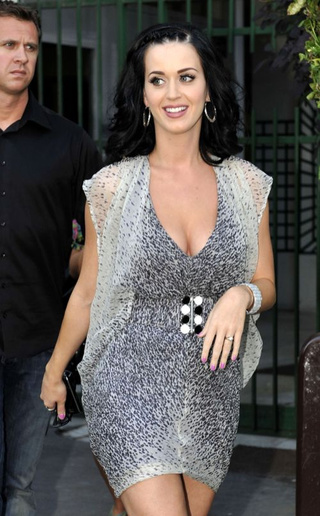 Katy Perry Paid For Her Mom's Plastic Surgery