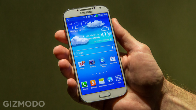Click here to read The Samsung Galaxy S 4 Has Been Rooted Before It's Even Available