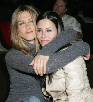 Aniston & Cox Ate The Same Lunch For 10 Years;  Lindsay Can Keep Drinking For $10K