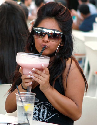 Snooki & Lindsay Involved In Drink-Throwing Incidents