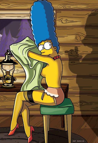 The Simpsons: Marge Poses Naked…Again