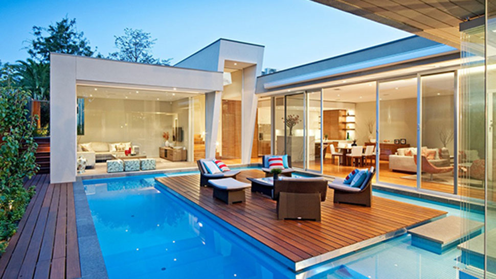 This australian house has a pool with an island and for Design della casa con piscina