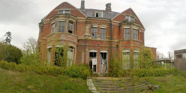 Abandoned mansions in america home design architecture for Castle mansions for sale