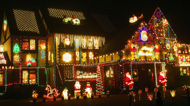 Behold, the World's Craziest Christmas Lights