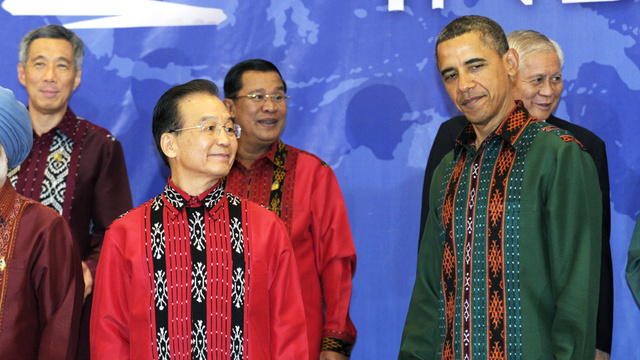 Barack Obama Hates Wearing This Goddamn Indonesian Silly Shirt