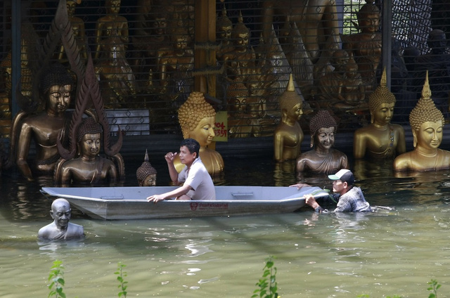 Images from Thailand's Worst Floods in 50 Years